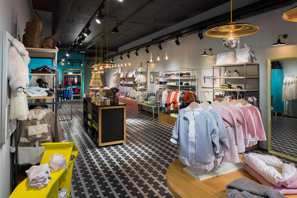 Interior comercio de ropa en Oviedo, Asturias