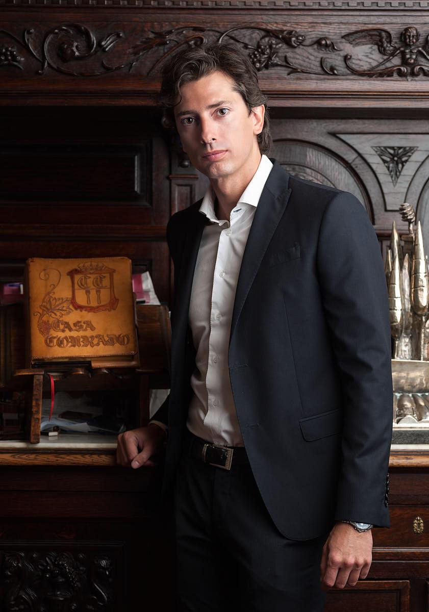 Retrato corporativo propietario restaurante