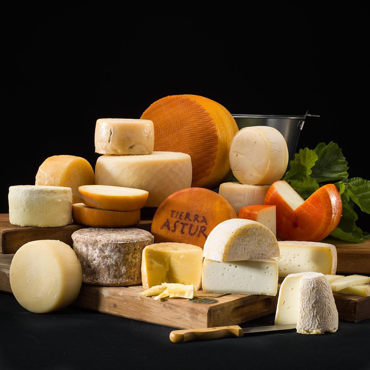 Bodegón quesos artesanos del Principado de Asturias