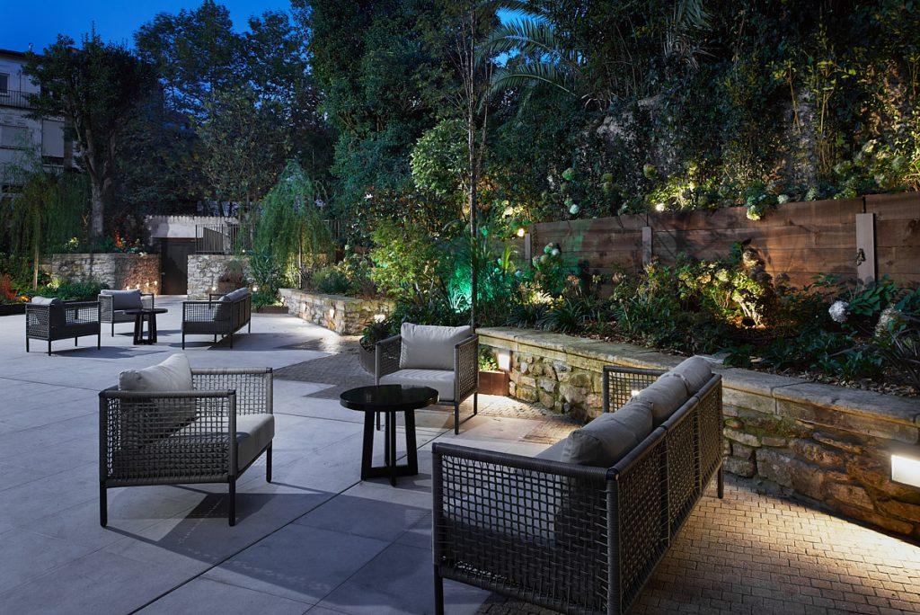 Ambiente de terraza como parte de los reportajes de interiores para hoteles