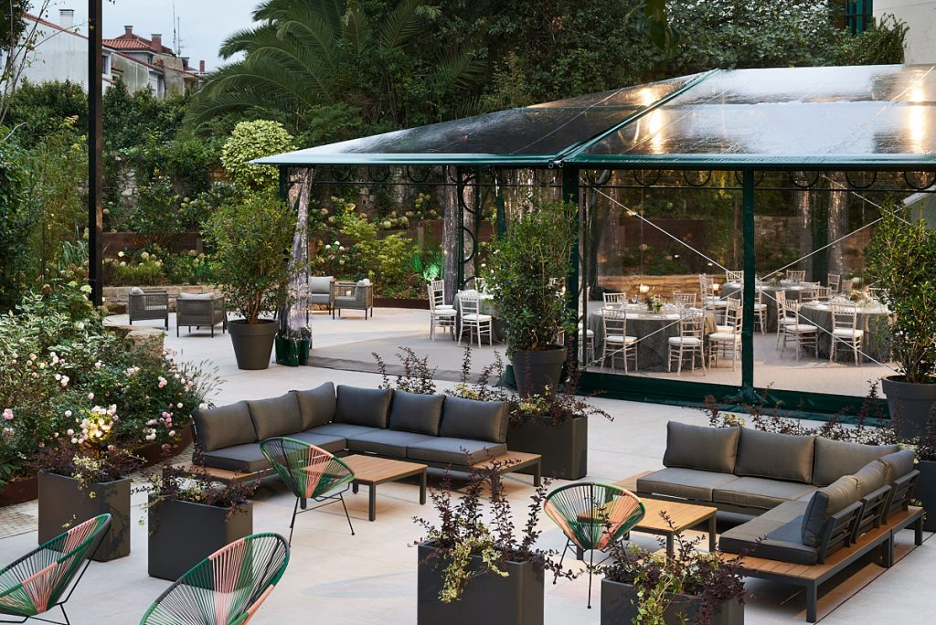Fotografía interiores terraza hotel palacio de avilés en Asturias