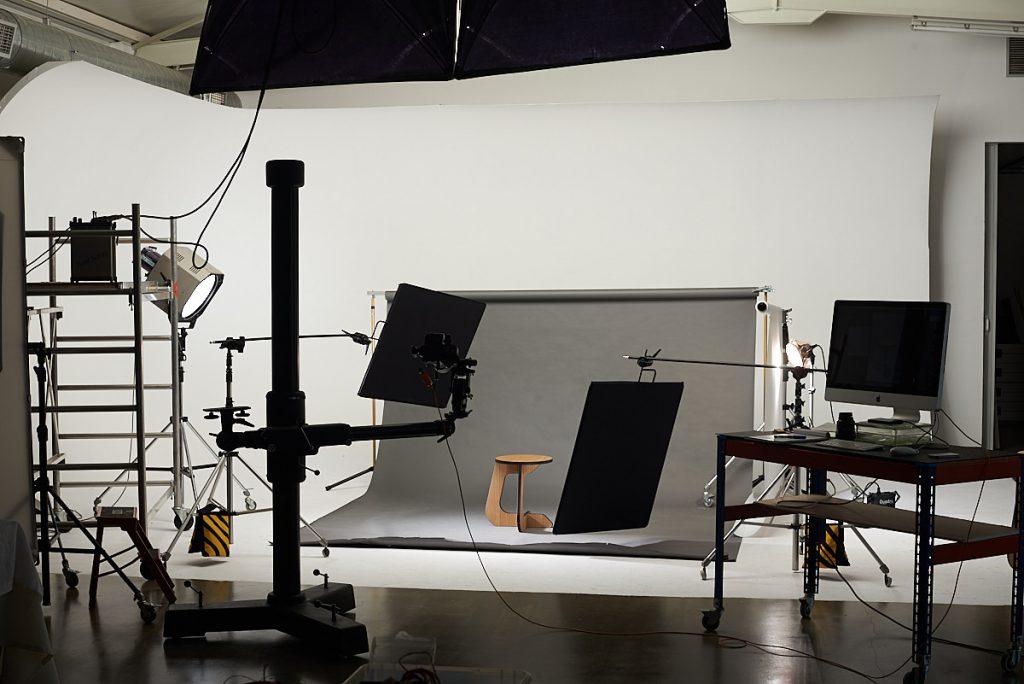 Set del making of de producto en el estudio de Alejandro Braña en Asturias